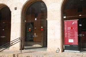 L'Antiga Audiència tancada el diumenge al matí